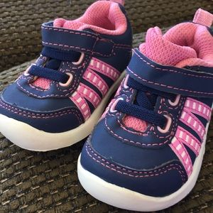 Healthtex baby girl shoes. Size 2.